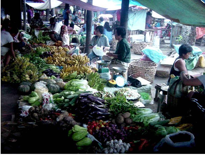 800px-Palengke_-_Danao_City_Public_Market_02_by_Hulagway
