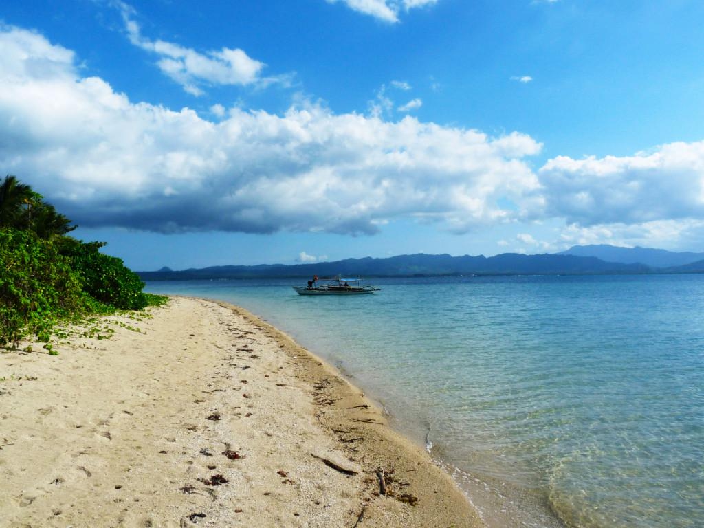Baja Hanura island a island hooping v Quezonu