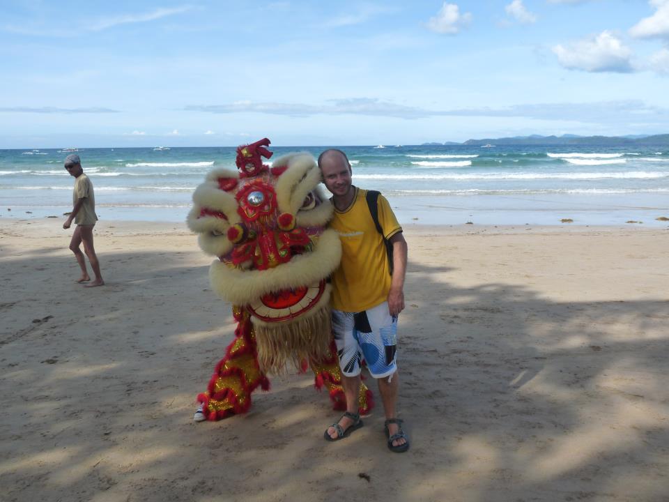 Oslava čínského roku na pláži v Sabangu