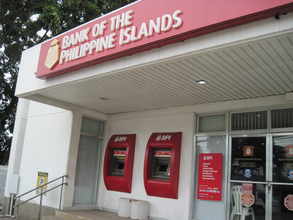 Výběry z bankomatů a směnárny na Filipínách